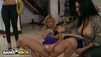 Kinky Filipina whore takes good care of big prick POV