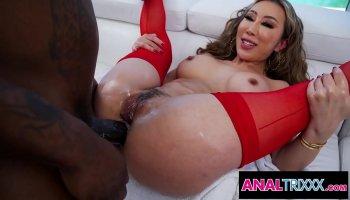 Flexible Spanish mom flogging her clitoris